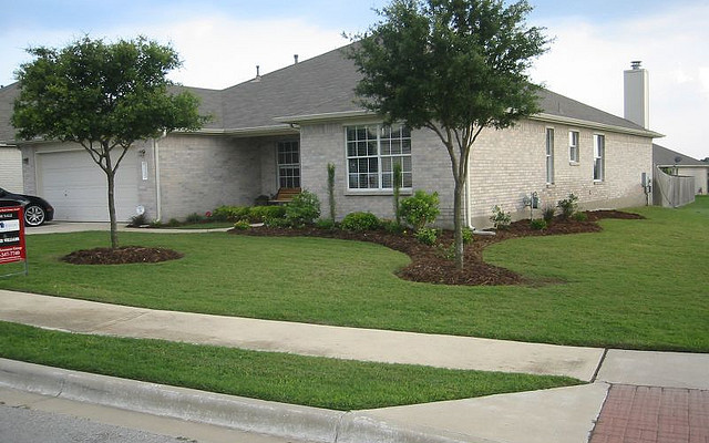 Top tips for improving your home s curb appeal home and living Home selling four diy tricks to maximize the curb appeal