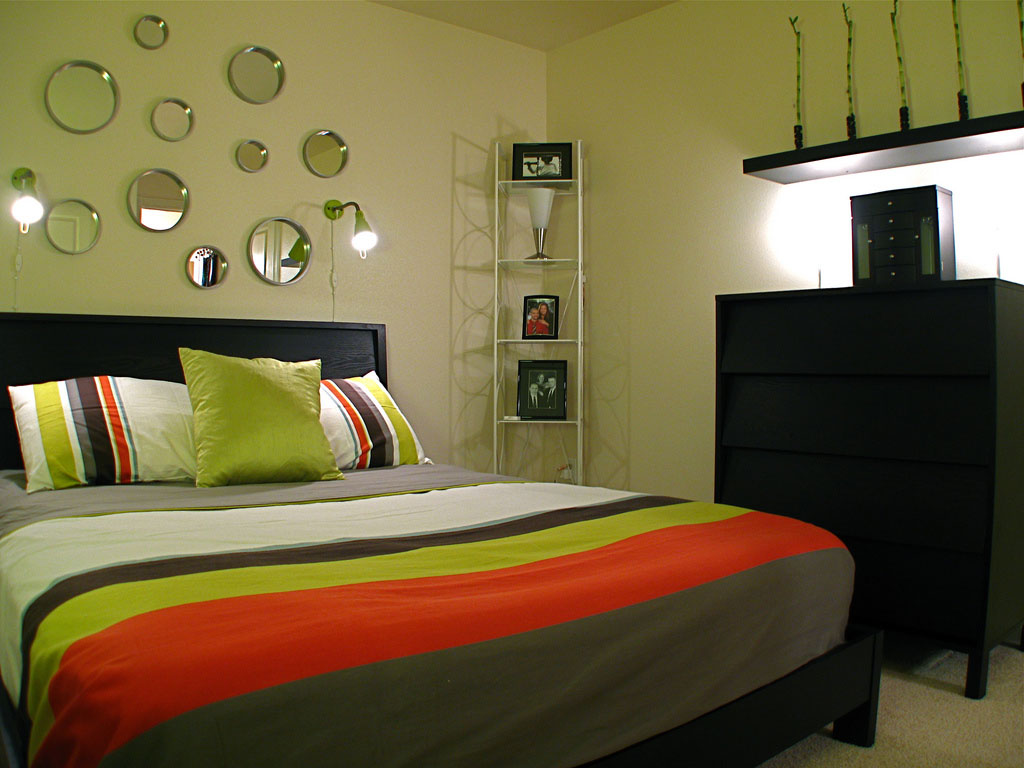 contemporary-green-small-bedroom-decor